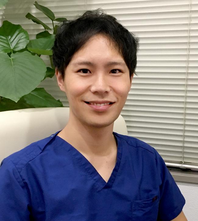東京形成美容外科 副院長 山崎修吾